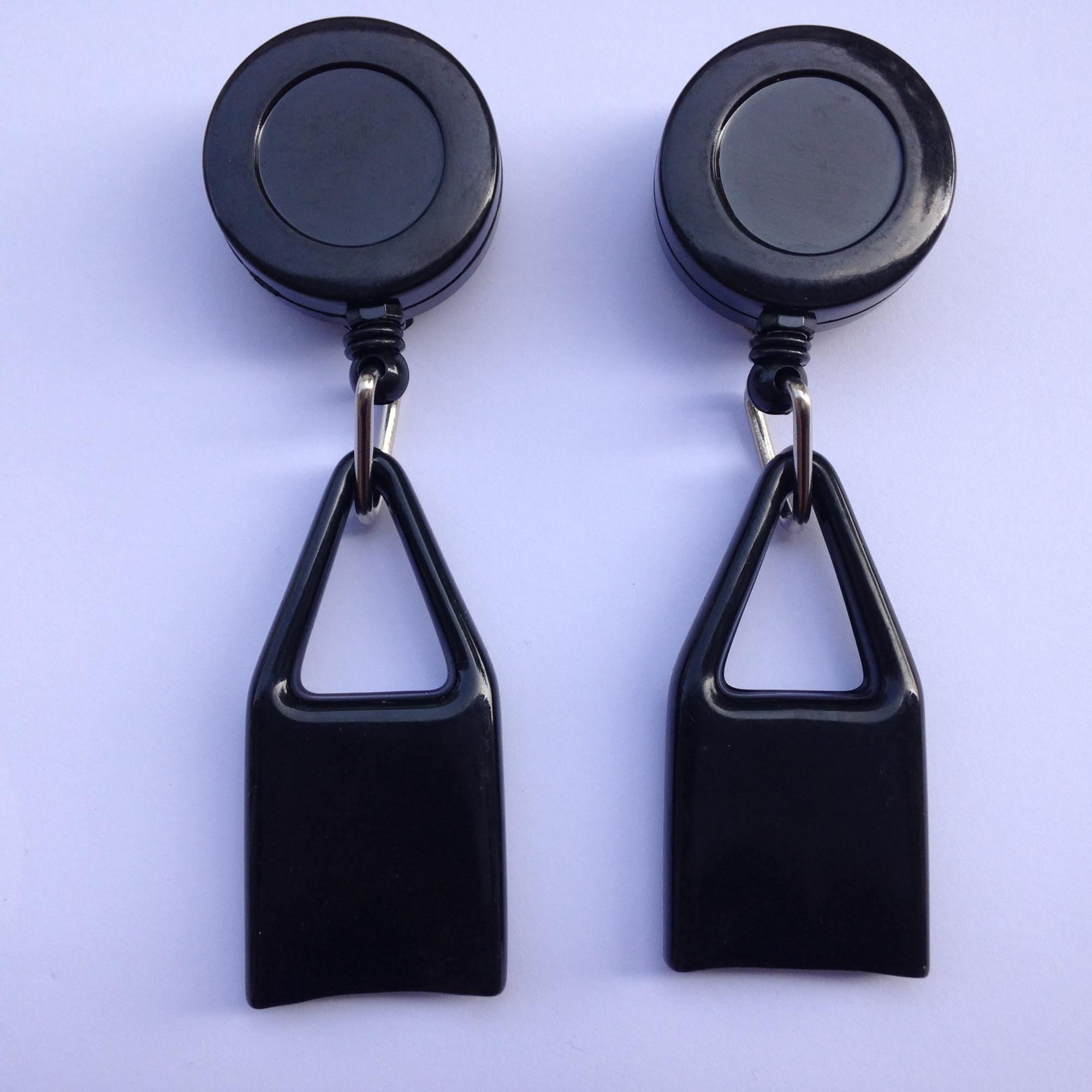 32MM round Plastic Retractable Pull Reel Keychain Lighter Holder