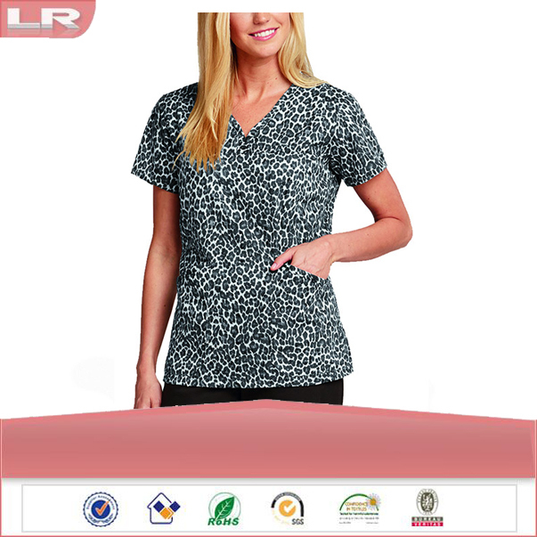 Wholesale OEM New Style Fashion Women's Sweetheart V-Neck Animal Print Scrub Top/Hospital uniform/Medical Scrubs Top