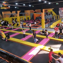 Multi-functionele <span class=keywords><strong>kinderen</strong></span> park concurrentie fitness bungeejumpen <span class=keywords><strong>opblaasbare</strong></span> grote <span class=keywords><strong>trampoline</strong></span> te koop