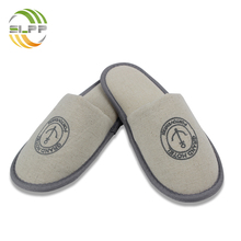 Customized embroidery logo linen slipper with plastic dot sole