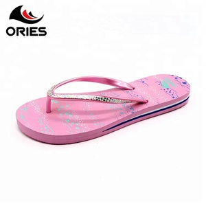 Custom Cheap Fashion New Products Lady Latest Slipper