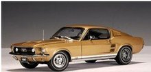 Model Car- AutoArt 1967 Ford Mustang GT 390 - Gold