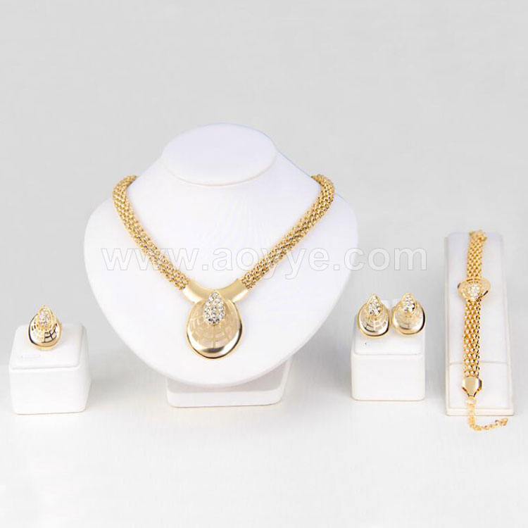 New style wedding celebration high grade diamond animal shape women fashion jewelry spider necklace set