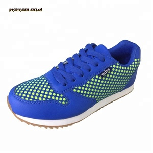 Spike outsole light weight men comfort shoes