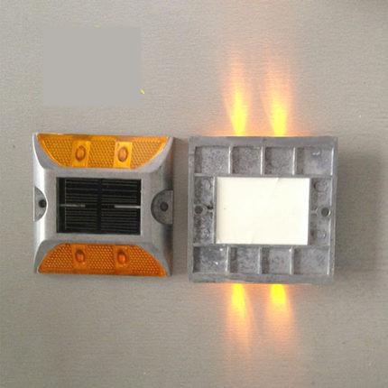 Солнечная светоотражающие предупреждение замедления спайк для лампы оптовая продажа объектов из дорожные знаки