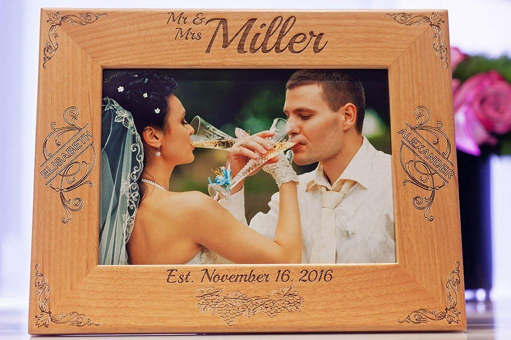 Custom Engraved Family Wood Picture Frame, Personalized Couple Gift, 5x7 Pictures, Photo Frame for Wedding, Anniversary, Engagement, Lovers