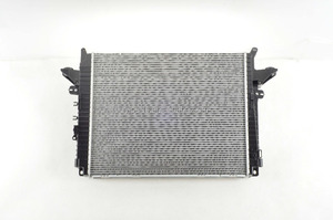 Auto Parts Radiator PCC500111 for Discovery 3/4 Range-Rover Sport 05- With Neutral Packing and High Quality -- Aftermarket Parts