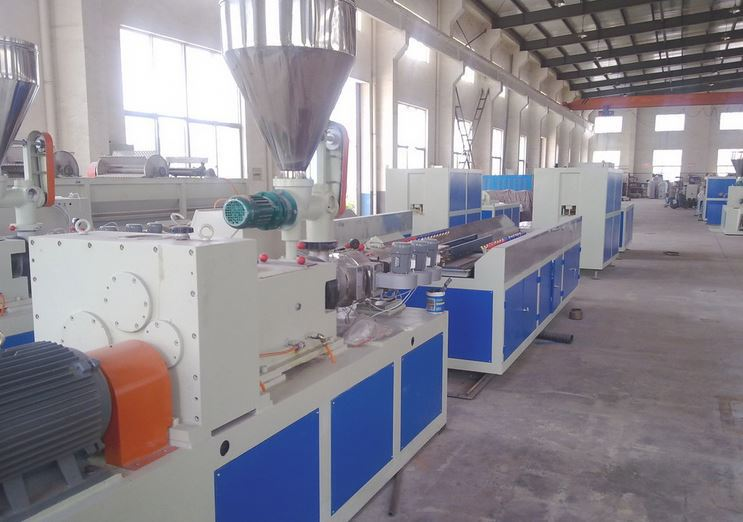 Manufacturer upvc fascia board making machine