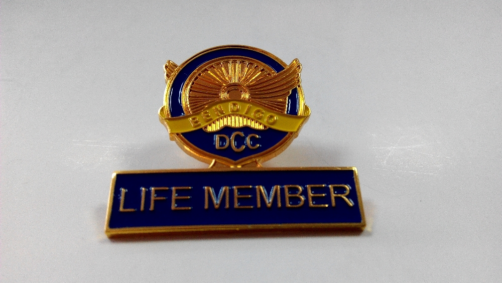 Iron casting shiny brass plating badge custom membership badge