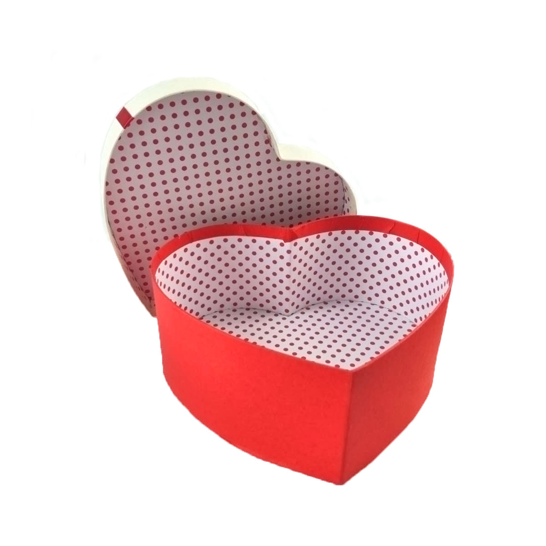 Customized red heart-shaped chocolate paper gift box with PP window
