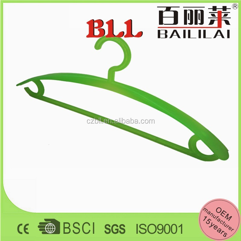 China factory new design delicate plastic wire coat hanger with solid bar