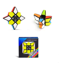 Nieuwste 7x7x2.5cm Magic Speed spinner cube anti stress fidget speelgoed puzzel <span class=keywords><strong>kubus</strong></span> gift