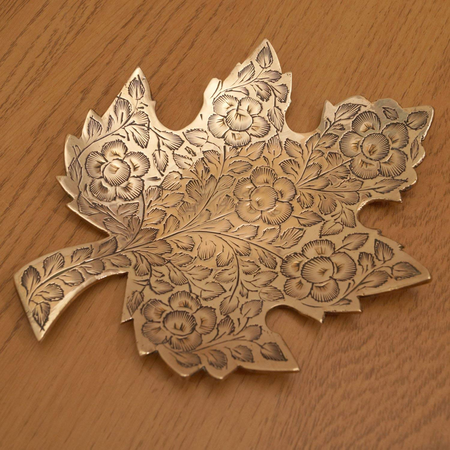 Solid brass vintage leaf design plate || ring / jewlery tray / candy dish / sweet tray || made in India