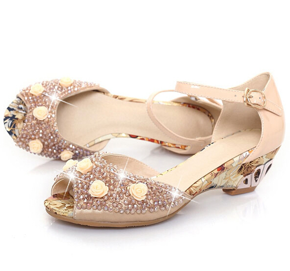 Free shipping 2015  summer new Korean pointed fine with the golden flowers diamond fashion peep toe sandals