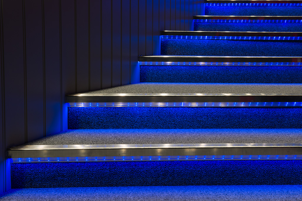 50 000 Hours Or More Aluminum Flooring Profiles For Stairs Light