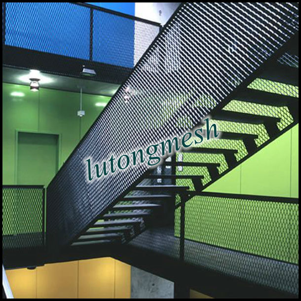 Architectural Decoration Expanded Metal Mesh Used As Stairs