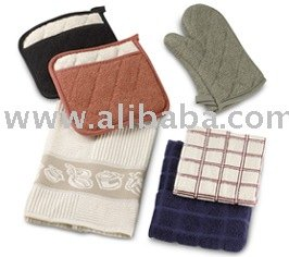Kitchen And Dining Table With Napkins,Aprons,Gloves & Mittens ...