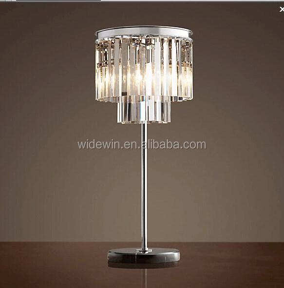 Antica lampada da tavolo di cristallo grazioso di cristallo di ferro ...