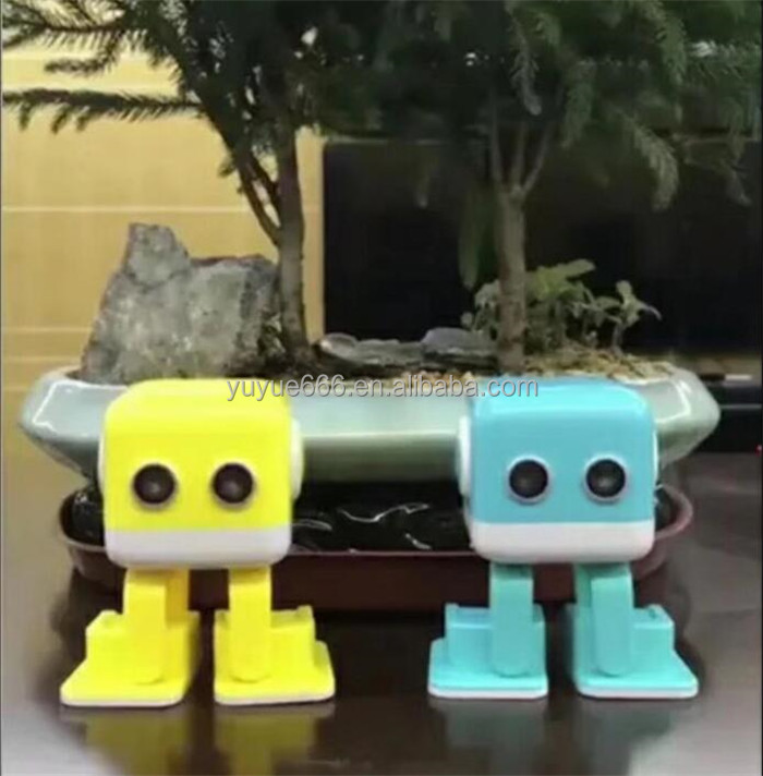 2018 High Quality Intelligent Smart Talking Robot Toy For Children Music Playing Blue tooth Robot Phone App Remote Amazon