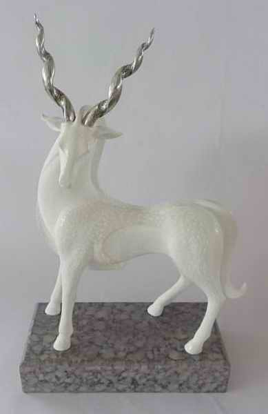Natural Shell Polyresin Deer for home decoration