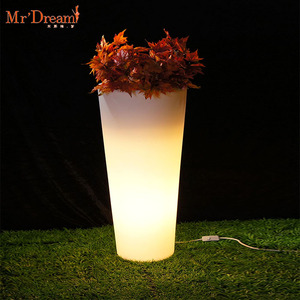 Mr.Dream wholesale square large size light up led lighting decorative plastic planter flower pot