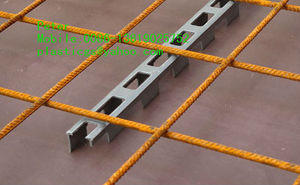 Plastic spacers for formwork