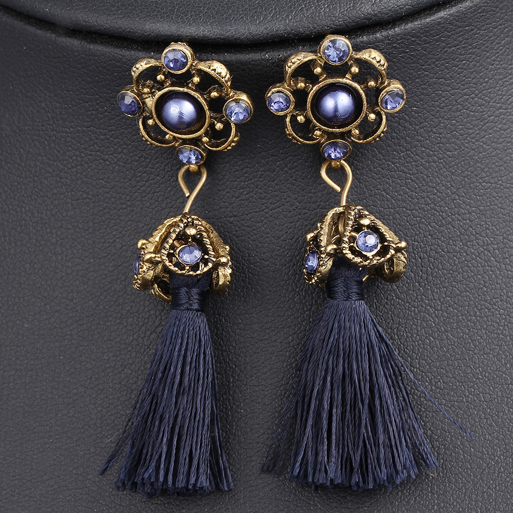 Alibaba.com / European trend ladies fashion obsidian crystal earring 2017 new design fashion women earring