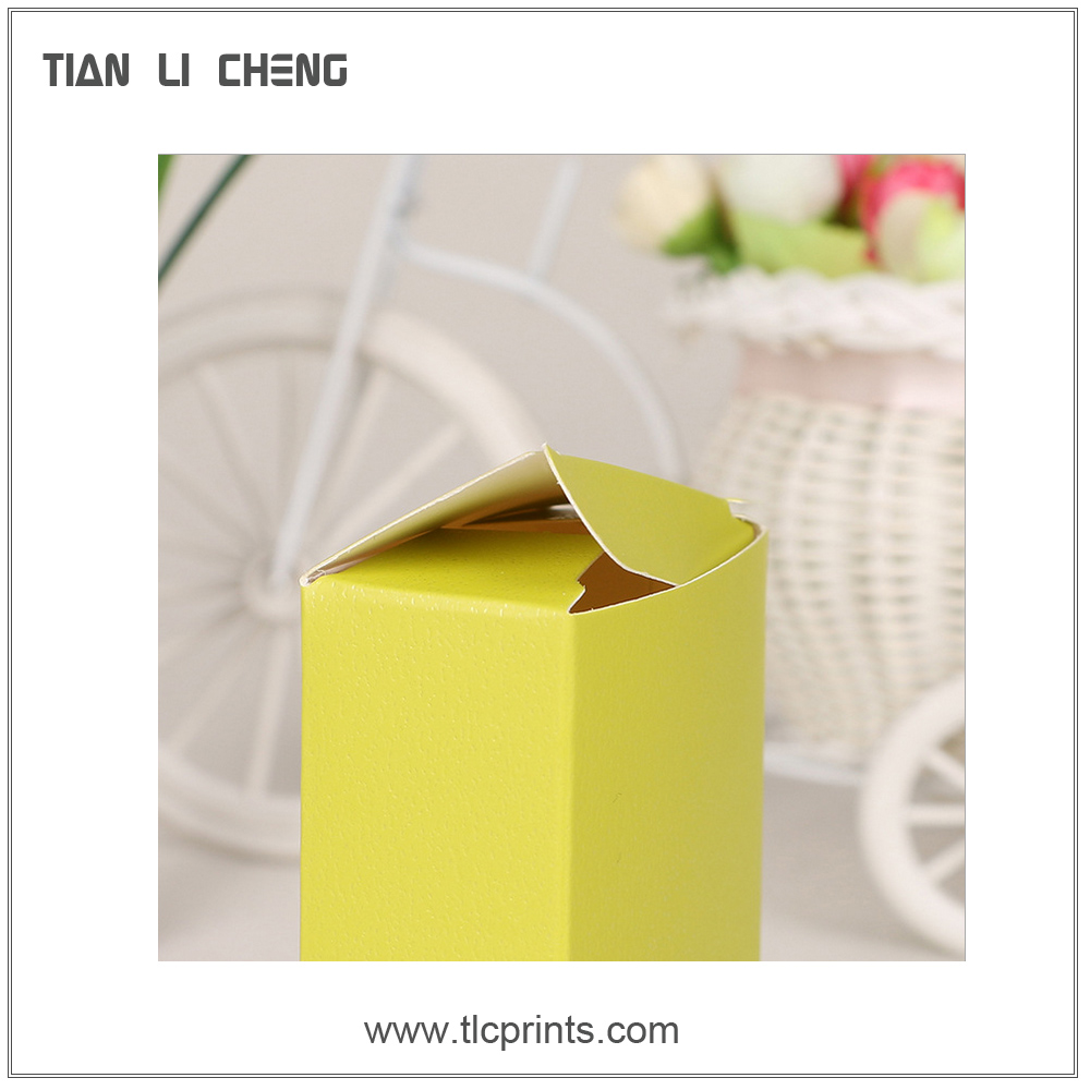 Printed recycled folding kraft paper box for gift and packaging