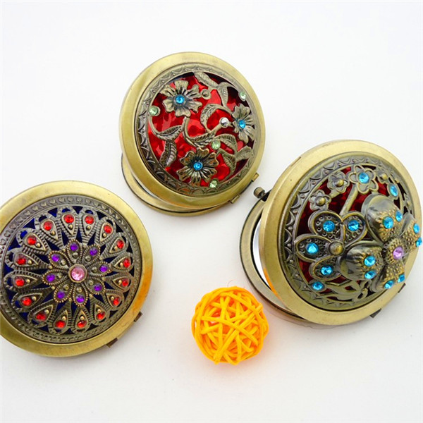 Vintage Hand Mirrors Pocket Mini Portable Compact Mirrors Girl Double-Side Folded Hollow Out Makeup Mirror
