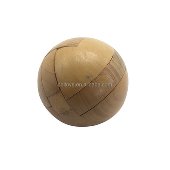 7.5cm diameter 3D wooden ball puzzles natural color educational IQ test brain teaser