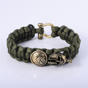 Fashion Braided Rope Chain with Knot Design of Copper Shackle Clasp Bracelets Men Jewelry