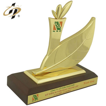 Wholesale metal material gold plated sport award trophy for souvenir