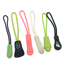 custom rubber zipper tags decorative runner zipper pulls