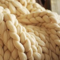 Luxury merino wool yarn hand knit super chunky big knit blanket wholesale