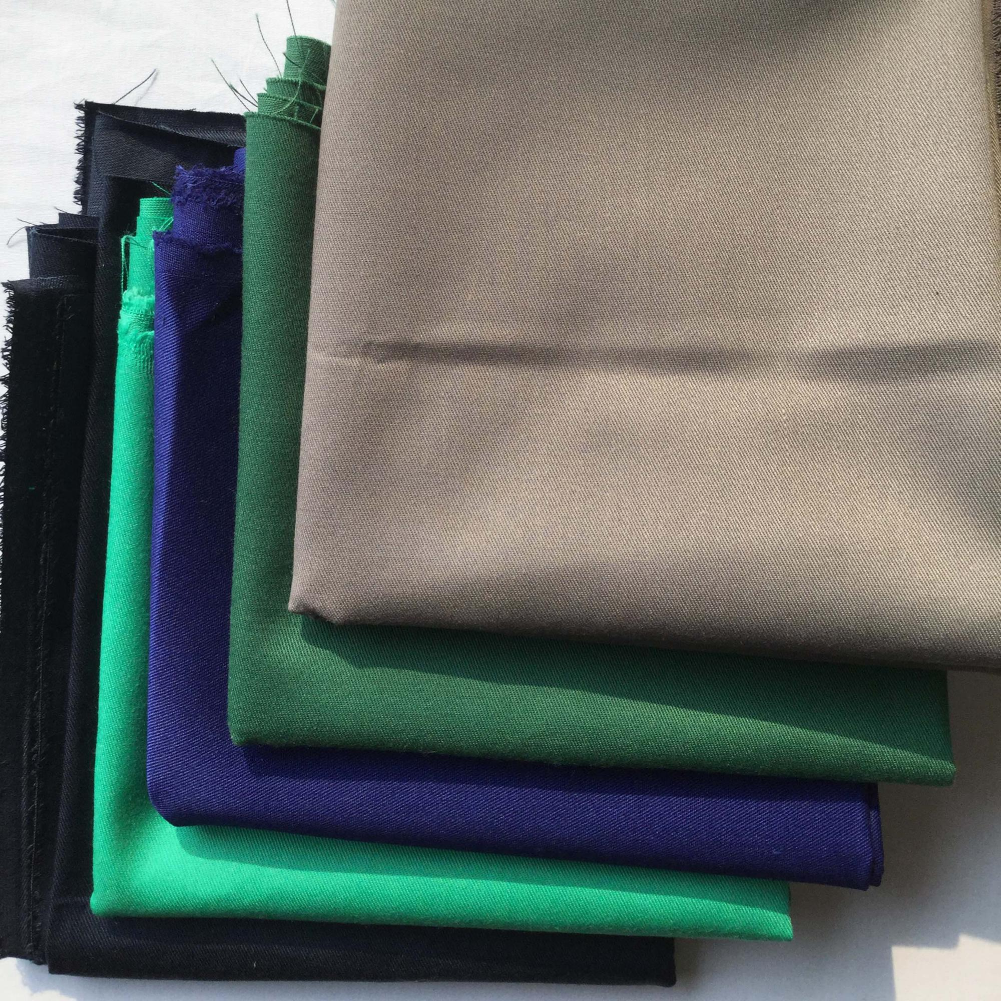 wholesale solid dyed sturdy 100% polyester twill fabric