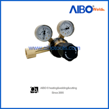 Heavy duty industrial oxygen gas regulator