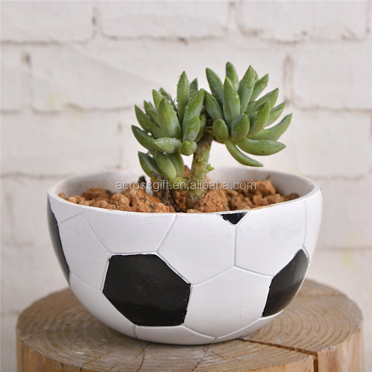 Customized Handmade Color Painted Garden/Home Decorative Resin Football Succulent Planter Pot