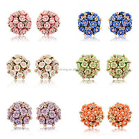 Bloom flowers cluster clip earring