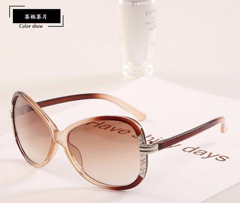 d4694be78f87 Get Quotations · 2015 Hot Tip Pointed Vintage Plastic Sunglasses Women Sexy  Cat Eye Original Vogue Zonnebril Merk Zonnebrillen
