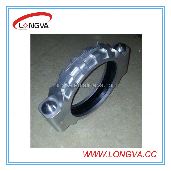 Stainless steel grooved heavy duty coupling