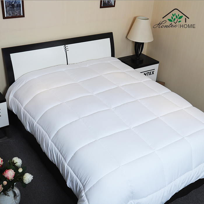 Polyester hotel king bedding quilt set cotton microfiber goose down alternative comforter duvet  silk quilts made in china