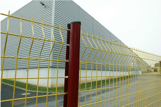 trailer mesh main gate designs pvc coated wire mesh fence. Black Bedroom Furniture Sets. Home Design Ideas