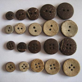 factory supplies the pure natural coconut shell button two Holes four Holes coconut button clothing accessories button wholesale