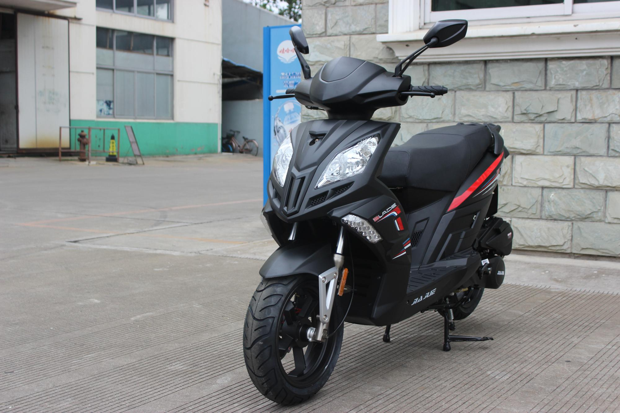 Jiajue 150cc patent design Air cooled GY 7 power gasoline scooters.