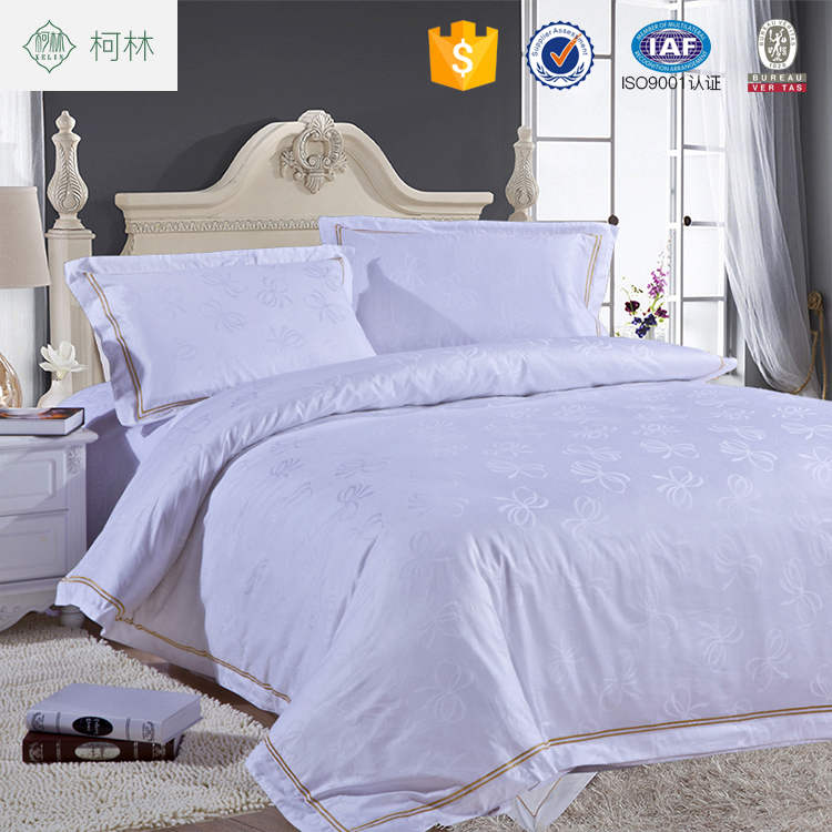 China factory 100% cotton 60*80 jacquard embroidery design hotel bedding <strong>set</strong>