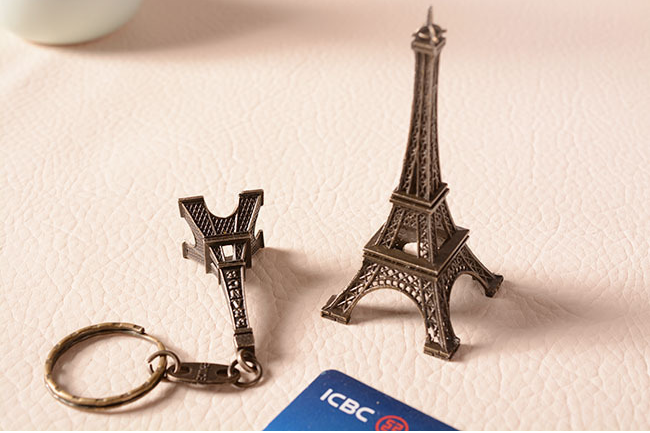 wholesale home decoration kinds of size Eiffel Tower art craft metal keychain