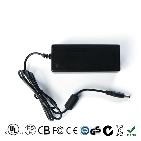 Fabriek groothandel high power 12 V 5A laptop adapter met china 3C indentification