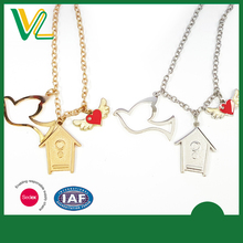 Manufacturer Fashion Zinc Alloy soft enamel House Nickel Jewellery Necklaces for women pendant
