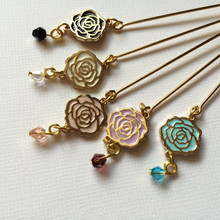 Made in china wholesale gold plated rose shaped colorful enamel scarf pin hijab