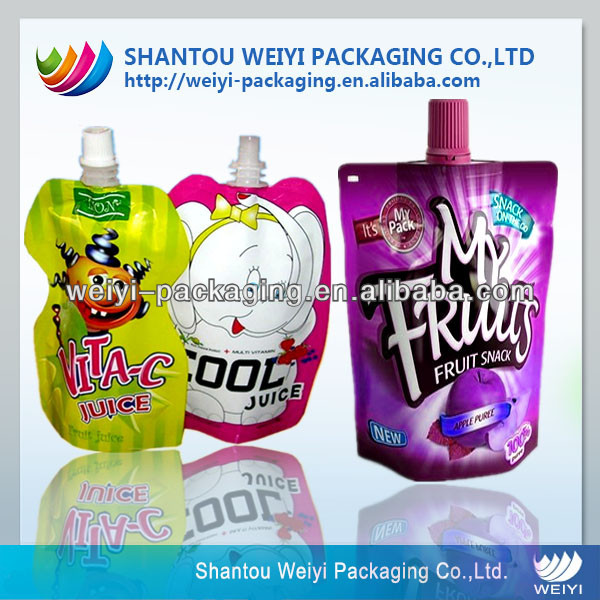 Composited material salad dressing packaging bag with spout